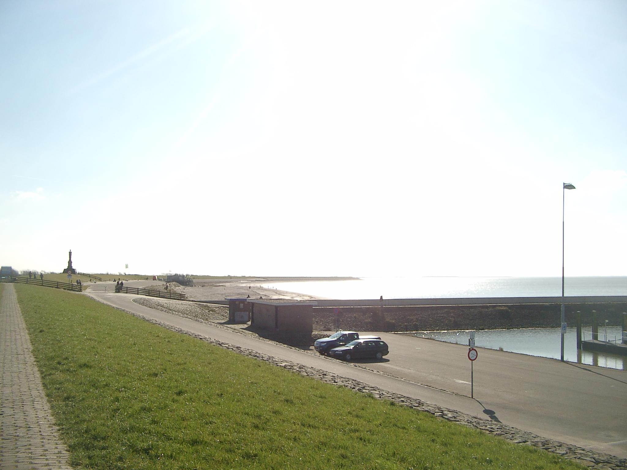 เห็นทะเลแล้ว!!! ชายหาดที่เห็นชือ หาด Harlingen ค่ะ ตามชื่อเมืองเลย